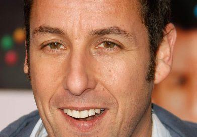 Netflix assina com Adam Sandler para mais quatro filmes